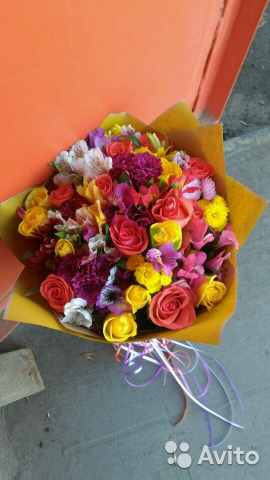 Букет не дороже 1500 рублей, цветок каменная роза уход за ним