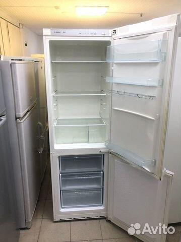 Холодильник воняет когда работает