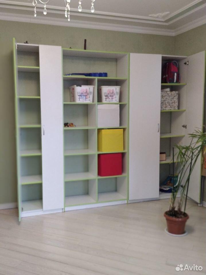 En uppsättning av möbler till barnkammaren  89214839690 köp 3