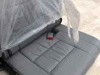 Третий ряд сидения Toyota Land Cruiser 100