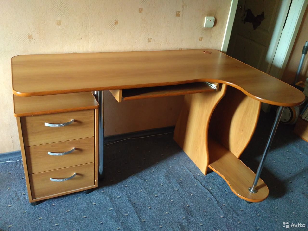 Компьтерный стол