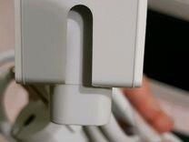 Часть зарядника от макбука