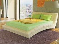 Двухспальная кровать для молодых пар